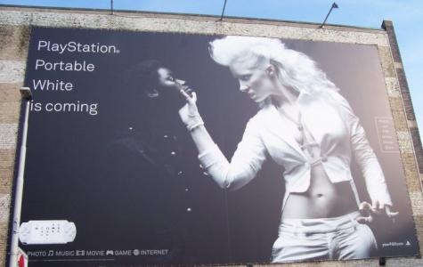 Irkçı Sony reklamı?