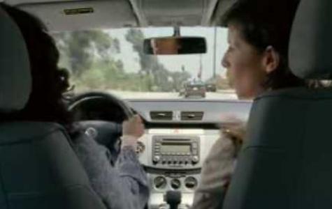 VW şimdi de Passat'ları çarpıştırıyor