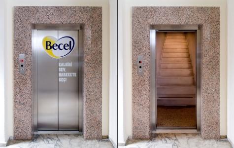 Ortam Reklamı: Becel Asansör