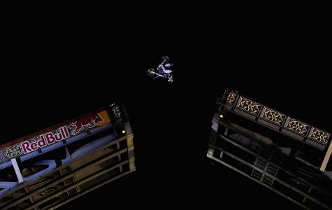 Red Bull X-Fighters :: Tower Bridge Jump!