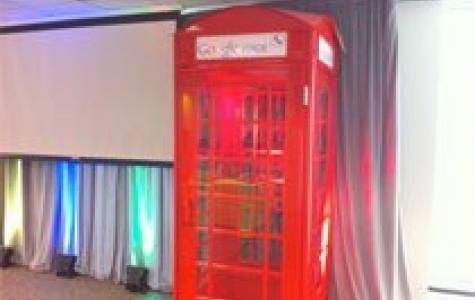 'Google Voice' tanıtımı için Google telefon kulübeleri