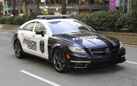 Mercedes'ten gerçek Fashion Police aracı