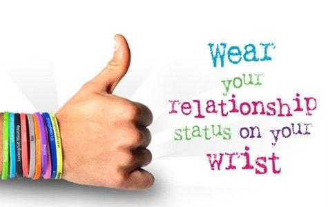 Buump: ilişki ve arayış durumunu belirten Facebook bileklikleri