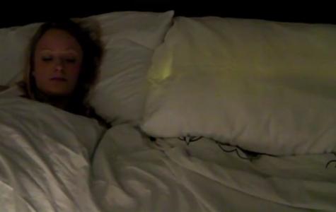 Uzak İlişkileri Yakınlaştıran Yastık: Pillow Talk