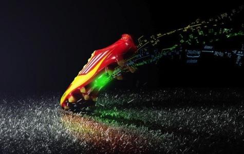 Adidas miCoach Şimdi Futbol Ayakkabılarında