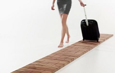 Tekerlekli Valizi Müzik Aletine Dönüştüren Zemin