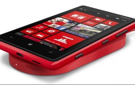 Kablosuz şarj olan yeni Nokia'lar ve şarj pedleri