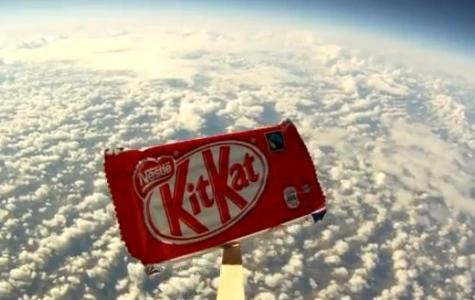 Kit Kat da Felix Baumgartner gibi uzaydan atladı!