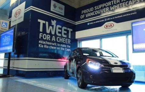 Tweet Attıkça Tezahürat Yapan Fanatik Otomobil