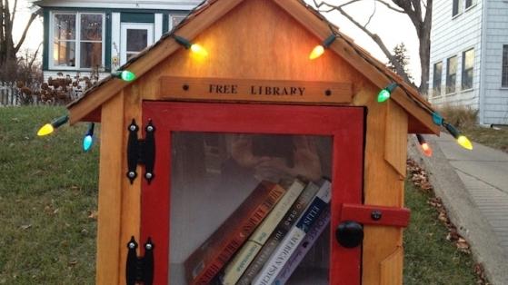 Her Sokağa Bir Kutu Kütüphane