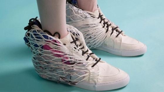Pop-up Çadıra Dönüşen Ayakkabı