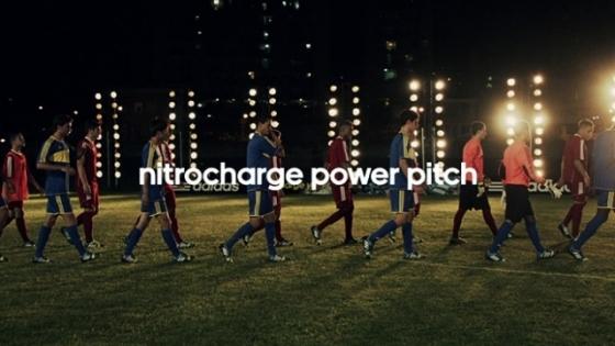 Adidas'la Futbolcular Sahayı Aydınlatıyor