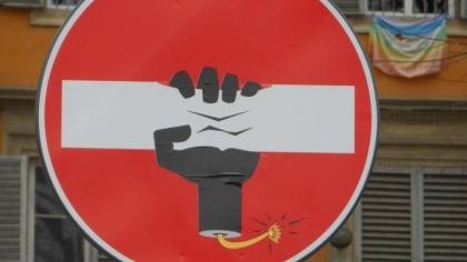 Avrupa Sokaklarında Trafik İşaretleri Sanatı