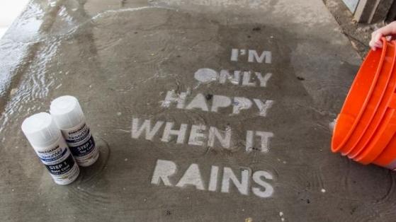 Yalnızca Yağmur Yağdığında Görünen Sokak Sanatı