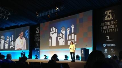 Kristal Elma: Adrian Botan Ulusal Bir Marka ile Global Arena'da Fark Yaratıyor