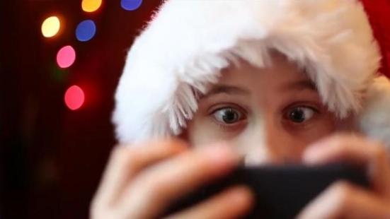 Çocuklara Noel Babanın Varlığını Kanıtlayan Mobil Uygulama