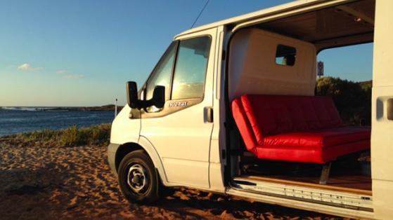 Sıradan Bir Minibüsü Gezici Ofise Çevirmek