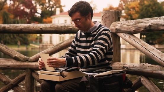 Size Özel Hikayeler Yazan Mobil Yazarın Vimeo Belgeseli