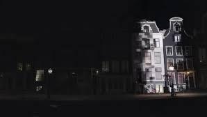 Mercedes-Benz Amsterdam'da Geceyi Gündüze Çeviriyor