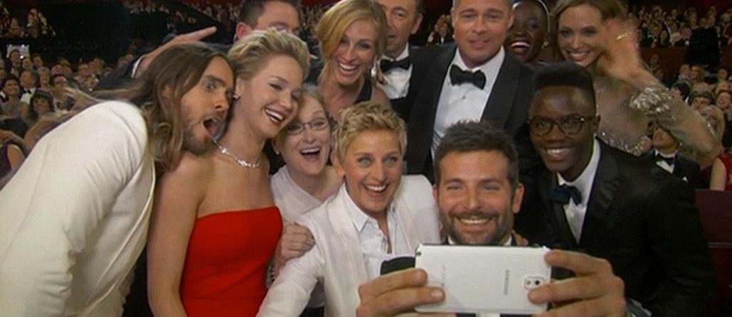 Yılın Selfie'si Samsung'un Oscar Ürün Yerleştirmesi Çıktı