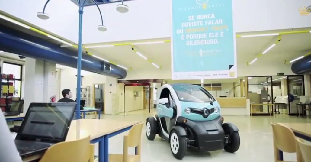 Renault Twizy: Kütüphanede Çıt Çıkarmadan Gezebilen Tek Otomobil