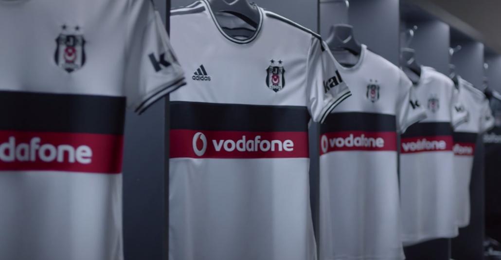 Vodafone Beşiktaş Forması