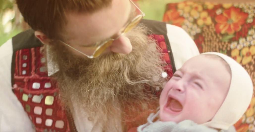 Wilkinson Sword Sakal Modasına Karşı Bebek Silahını Kullanıyor