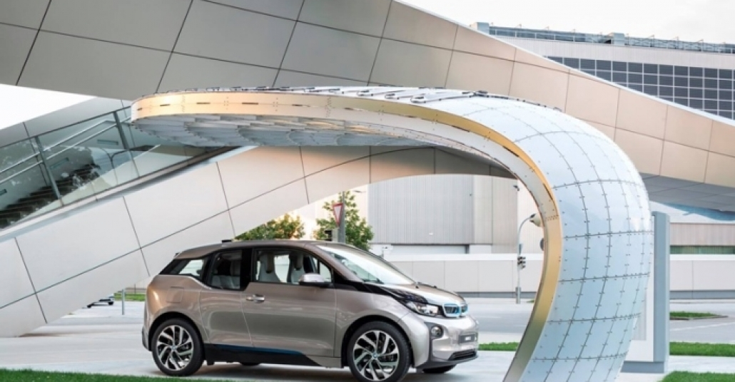 BMW Welt'e Yerleştirilen Güneş Enerjili Şarj İstasyonu
