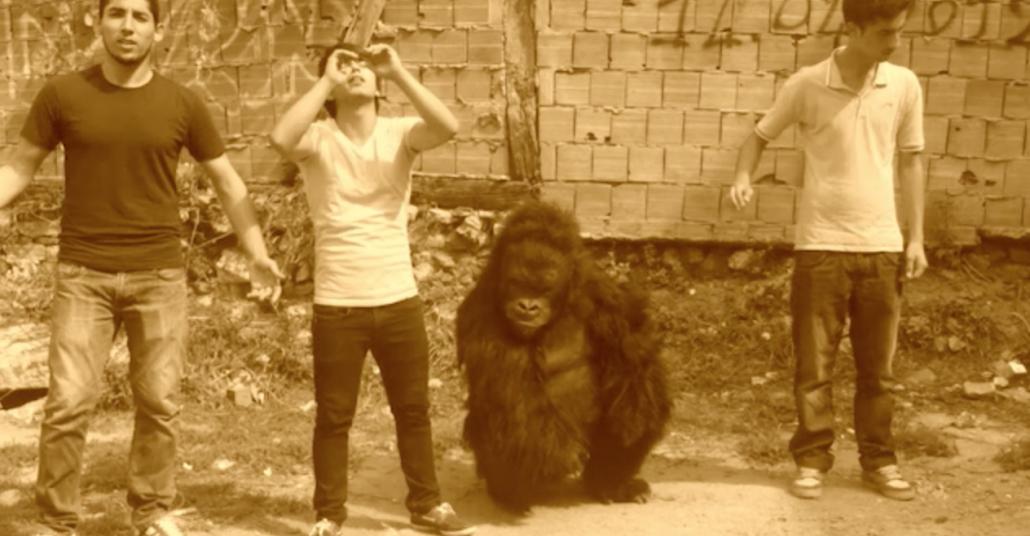 Eti Canga'nın Dertli Gorili Arabesk Rap Videosunda