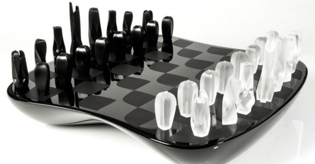 Zaha Hadid'in Tasarladığı Satranç Takımı