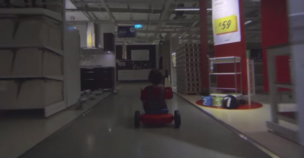 IKEA'dan Cadılar Bayramı için The Shining Parodisi