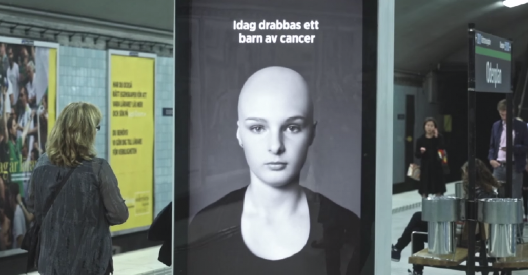 Metroda Saç Uçuran İnteraktif Pano – Bölüm 2