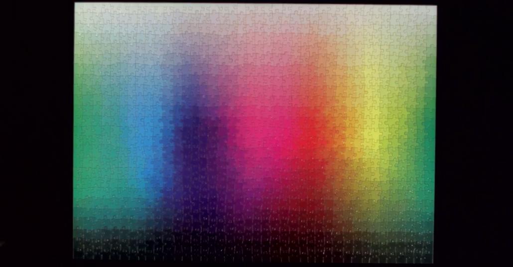 Her Renk ve Tondan Oluşan 1000 Parçalı Yapboz