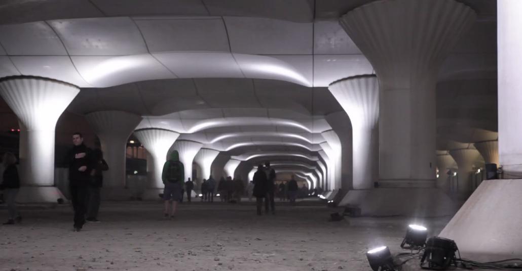 Paris'teki Yarım Kilometrelik Tren İstasyonuna Yapılan Projeksiyon Yerleştirmesi
