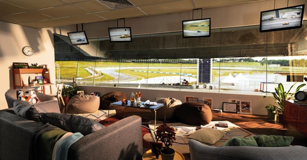Airbnb ile Formula 1 Pistinde Bir Gece