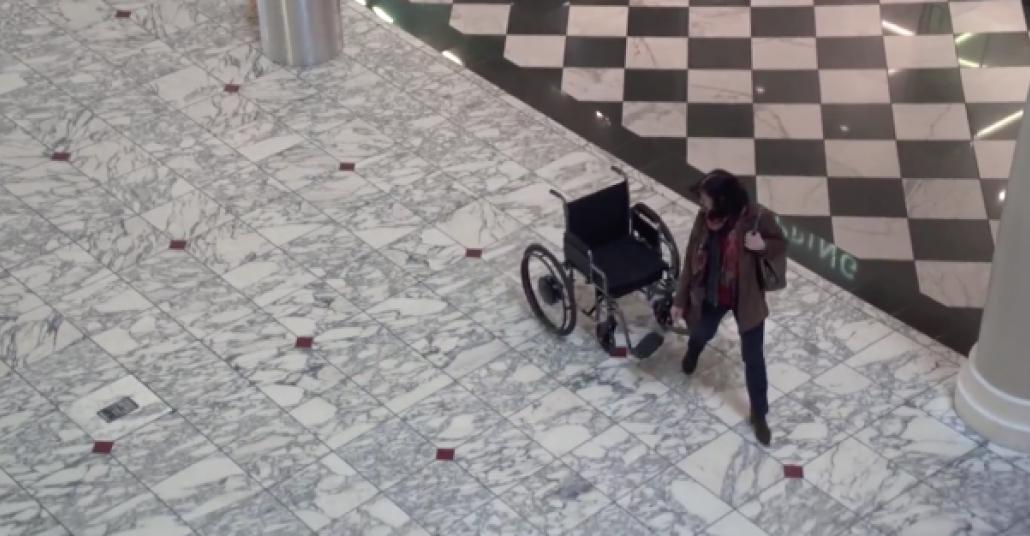 Cehaletin Peşine Düşen Tekerlekli Sandalye