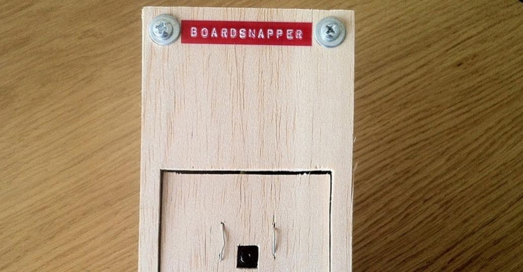 Boardsnapper: Tahtaya Yazılanları Otomatik Kaydeden El Yapımı Robot