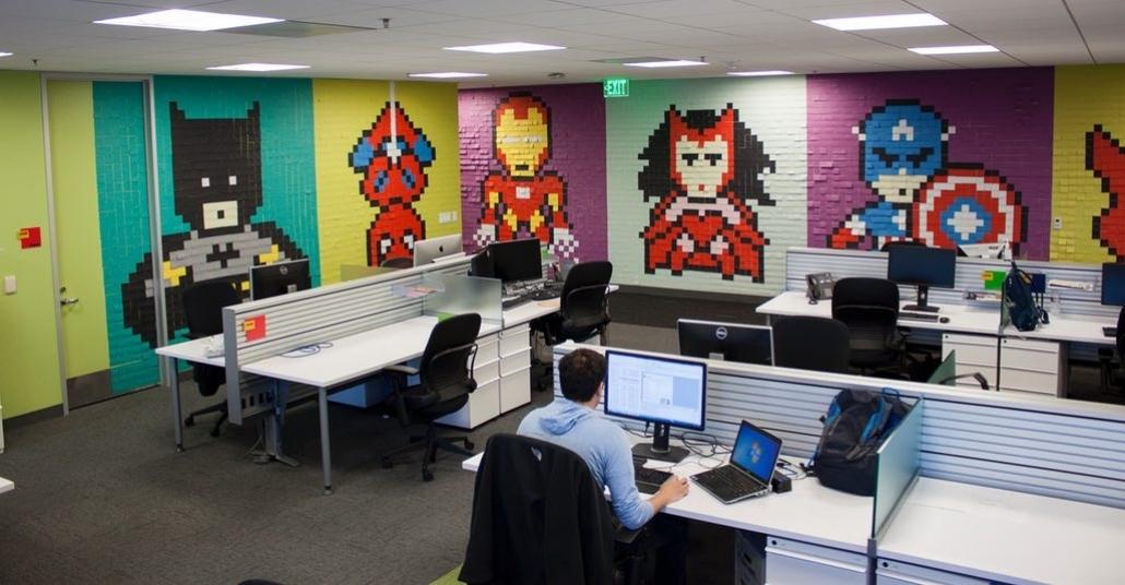 Ofis Duvarlarına Post-it'lerle Yapılan Süper Kahramanlar