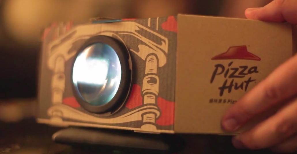 Pizza Hut'tan Film Projektörüne Dönüşen Pizza Kutuları