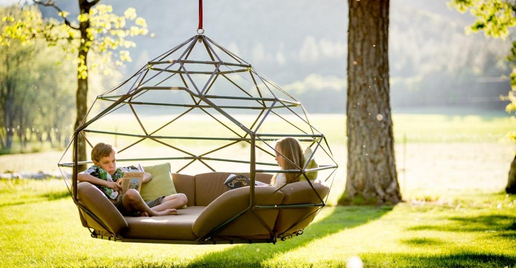 Yaz Günleri İçin Rahat, Dev Beşikler: Kodama Zome