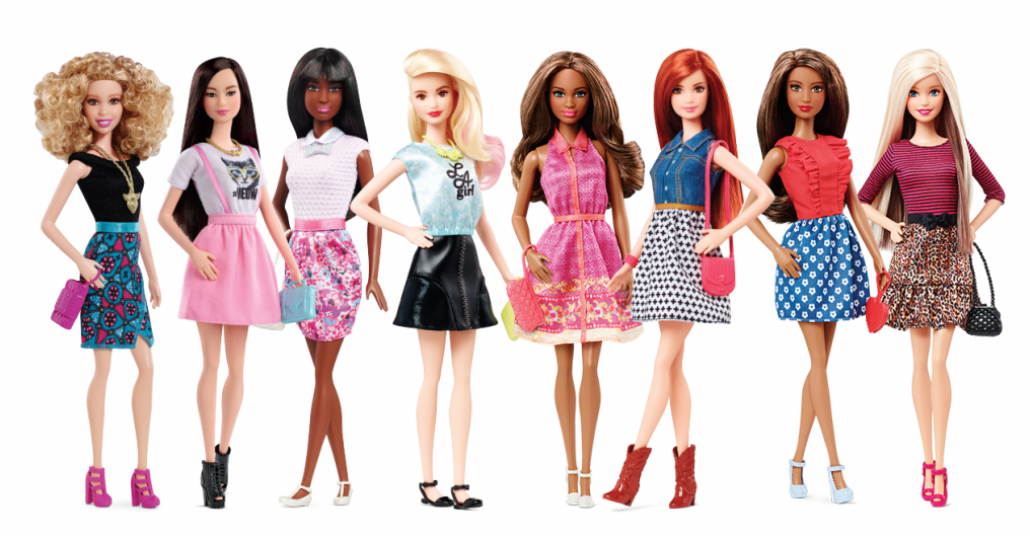 Barbie, 56 Yıl Sonra Düz Ayakkabının Keyfini Çıkarıyor