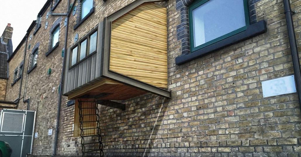 Evsizler İçin Bina Dışına Eklenen Cumba Barınaklar