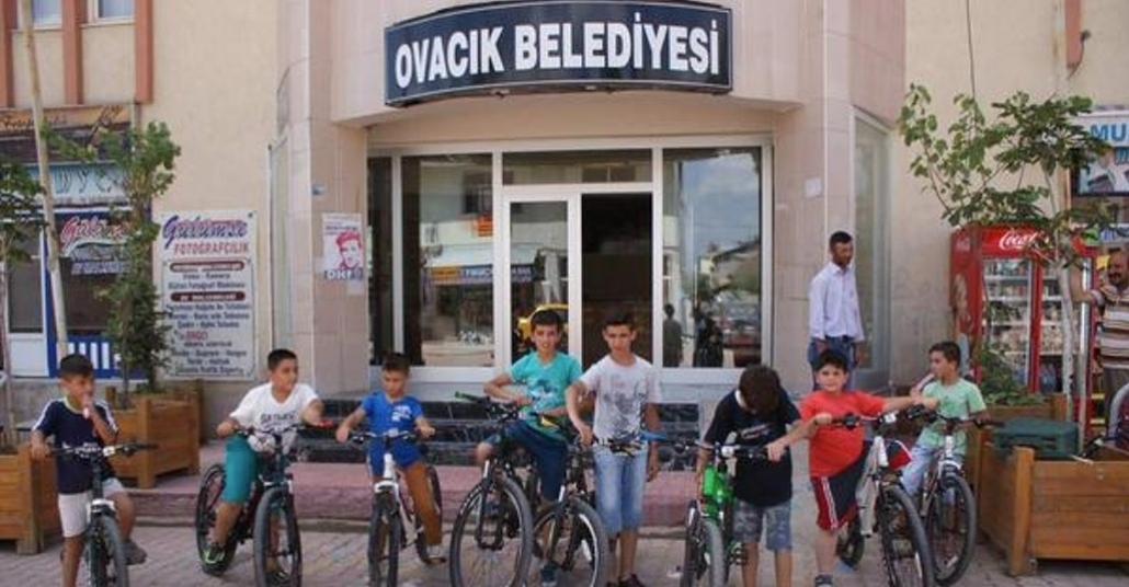 Bir Saat Kitap Okuyana Bir Saat Bisiklet Turu Bedava