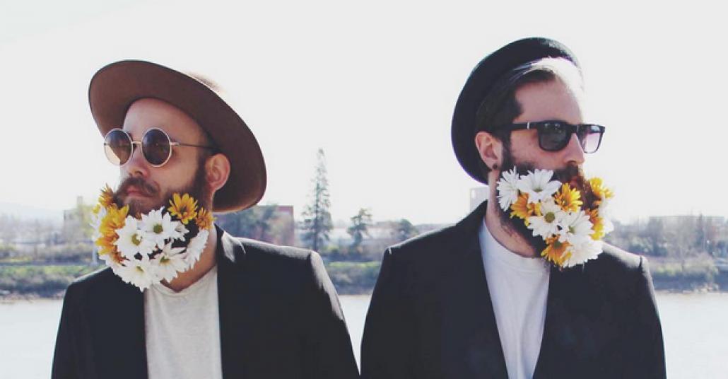 Sakallarını Şekilden Şekile Sokan Instagram İkilisi