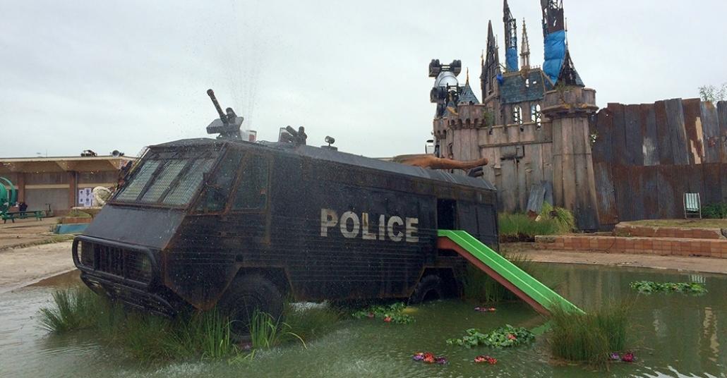 Banksy'nin Distopik Disneyland'ı: Dismaland