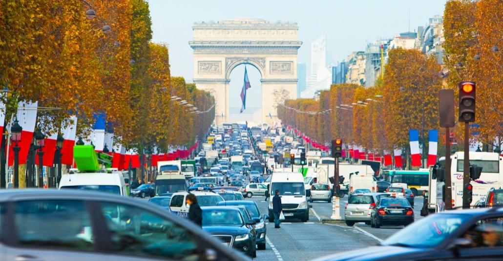 Paris'te Otomobil Kullanımına Bir Gün Mola