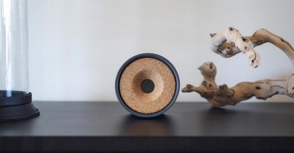 Kedinizin Başını Döndürecek Şık Tasarımlı Akıllı Lazer