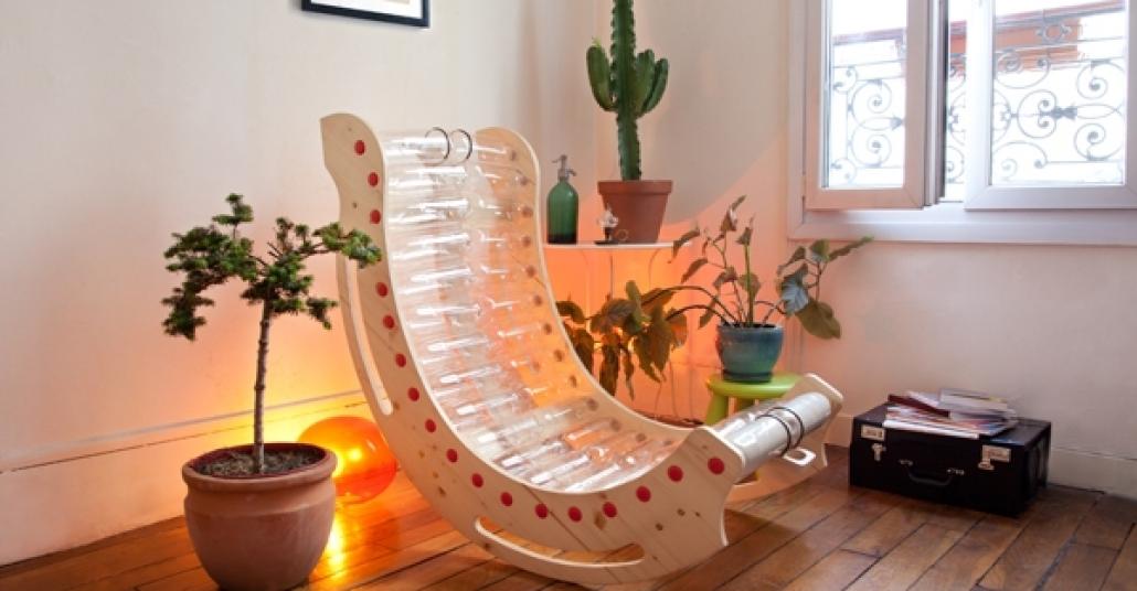Geri Dönüştürülmüş Pet Şişelerden Yapılmış Sallanan Sandalye