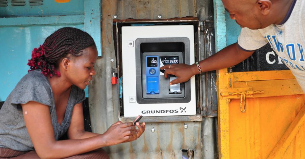 AQtap: Gelişmekte Olan Ülkelere Temiz Su Dağıtımı Yapan ATM'ler