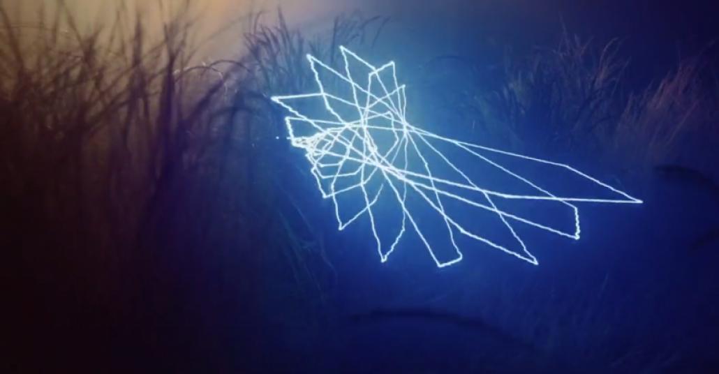 Işıkla Boyama ve Doğa Eşliğinde Bir Müzik Videosu